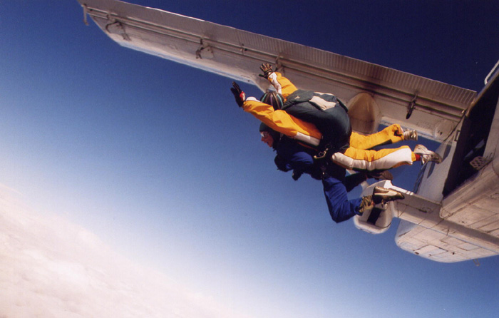AS-Skydive1-700