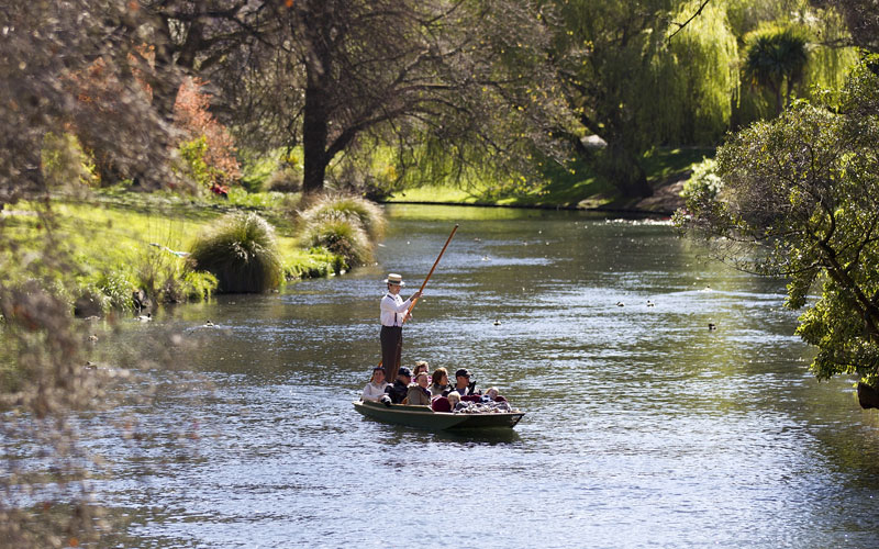 CCT-Christchurch-punting-800