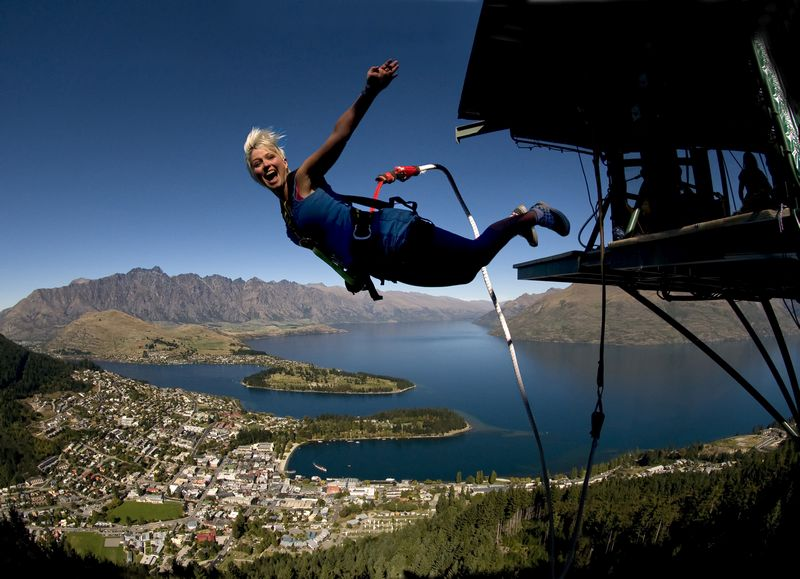 TNZ Lake Wakatipu Queenstown AJ Hackett Bungy 800