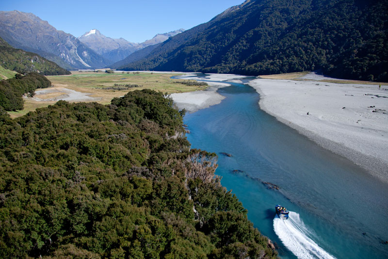 Wilderness Jet-Boating im Mt Aspiring National Park, Wanaka