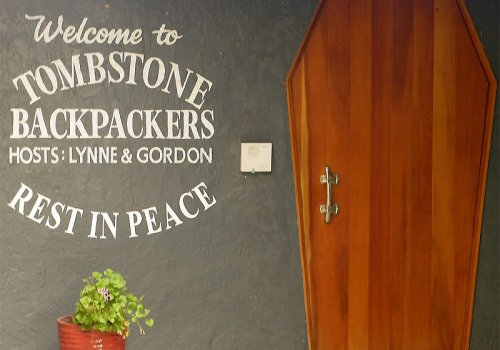 Tombstone Backpackers / Picton